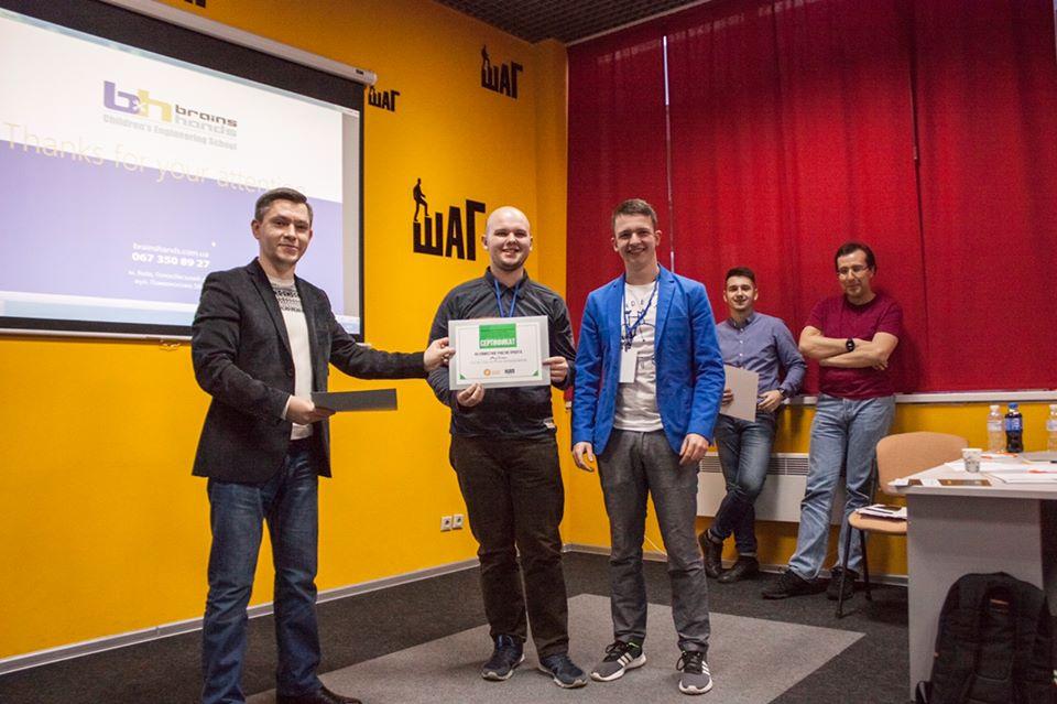 """Успіх студентів та аспірантів гуртка """"Робототехніка"""" на регіональному етапі міжнародного конкурсу «Золотий Байт»"""